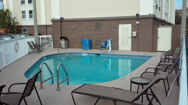 hotel-lap-pool